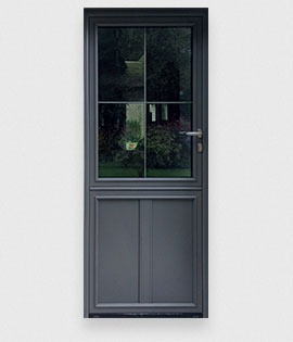 Les portes d 39 entr e aluminium r sistantes la gamme des portes en alu for Porte entree vitree alu
